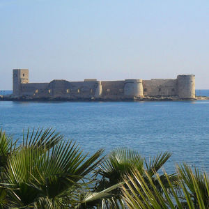 Девичий замок Кызкалеси