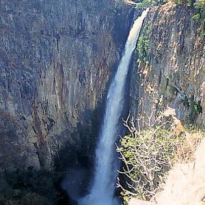 Водопад Каламбо