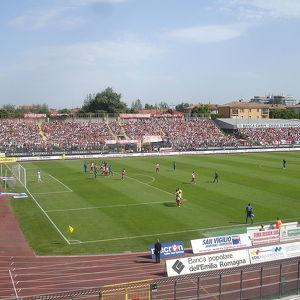 Стадион Ромео Нери