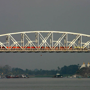 Мост Ава