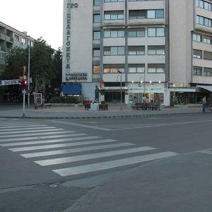 Pella Square