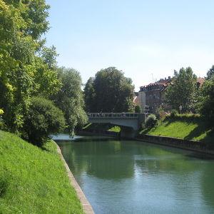 St. James's Bridge