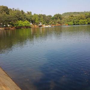 Озеро Майем