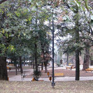 9 April Park
