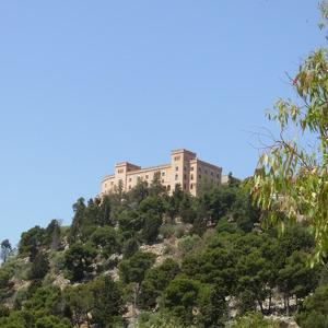 Замок Утведжио