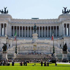 Конная статуя Виторио-Эмануэле II